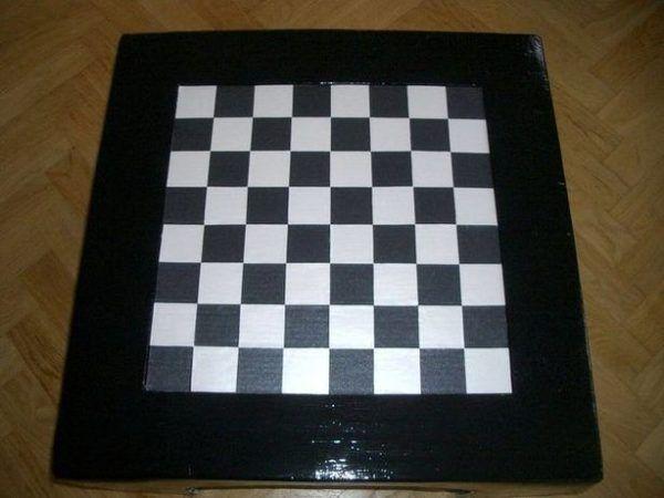 mesa-de-ajedrez-de-carton-fin