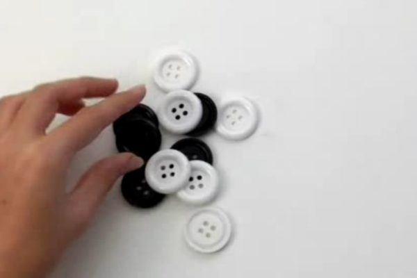 mesa-de-ajedrez-de-carton-preparacion-piezas-0