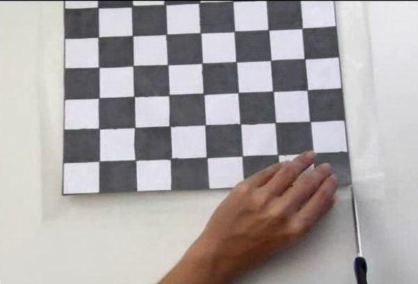 mesa-de-ajedrez-de-carton-preparacion-tablero-7