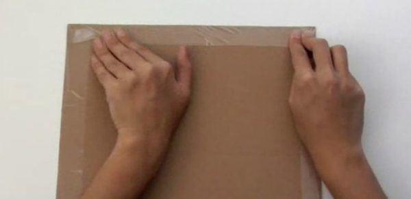 mesa-de-ajedrez-de-carton-preparacion-tablero-8