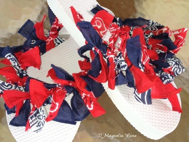Sandalias-de-Niños-Como-hacer-sandalias-pañuelos-rojos-azules-sandalias