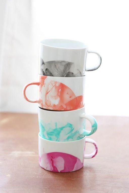 tazas-decoradas-como-decorar-una-taza-esmalte-de-uñas-colores