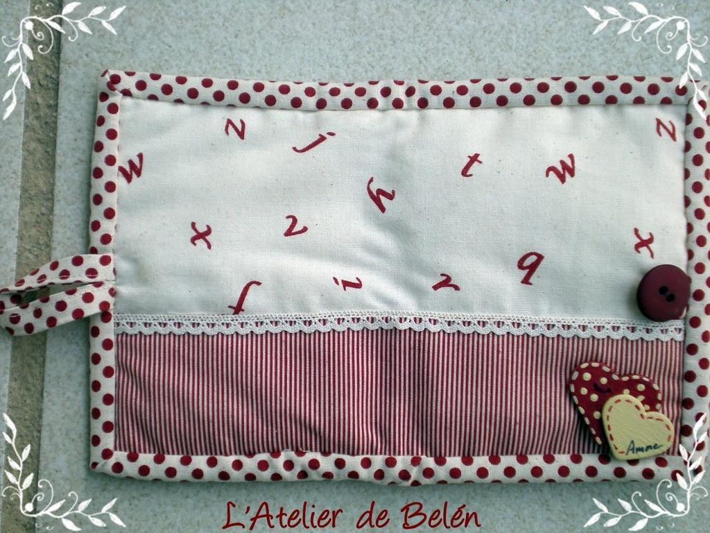 Tarjeteros-decorados-con-botones