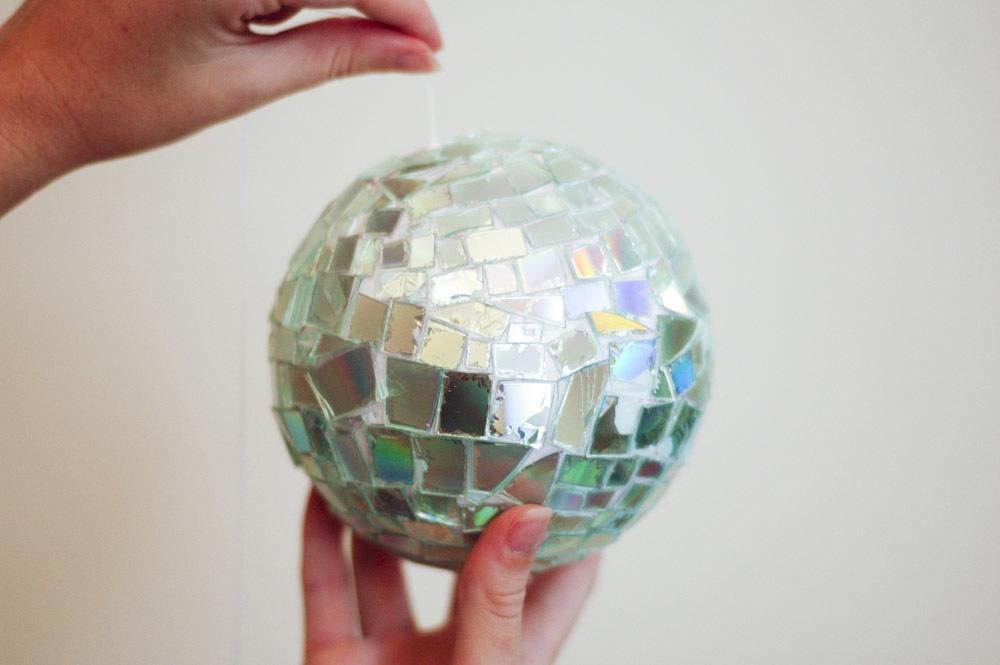 bola-de-espejo-como-hacer-con-cd-materiales