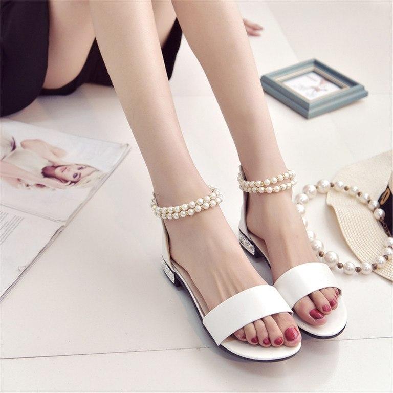 Cómo-decorar-sandalias-con-perlas