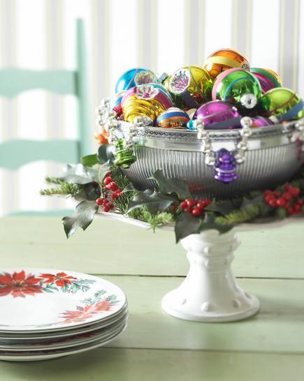Centro de mesa con bolas de colores