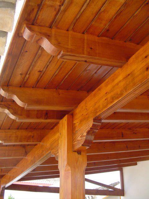 Madera decorando interiores - Como se hace una casa de madera ...