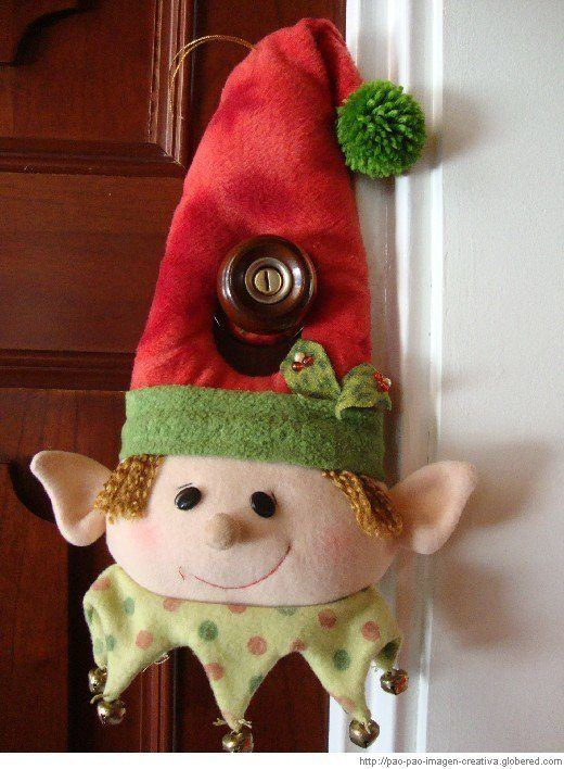 duende decoración puerta navideña