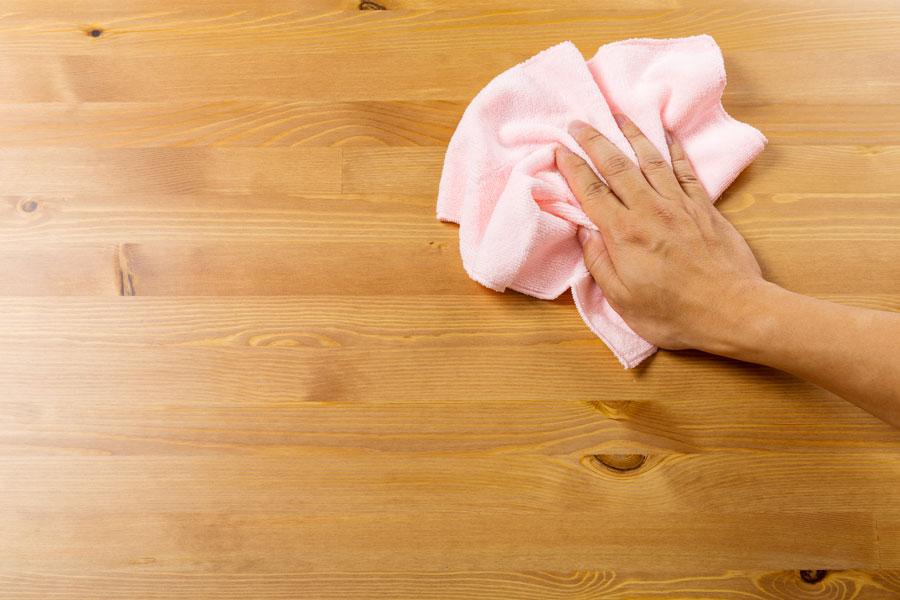 C mo limpiar la madera - Como limpiar los muebles de madera ...