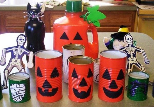 Decorar una casa para Halloween con materiales reciclados