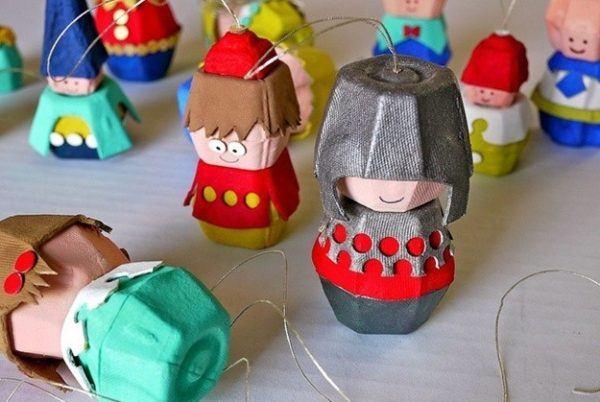 manualidades-originales-para-el-dia-del-padre-con-materiales-reciclados-muñecos