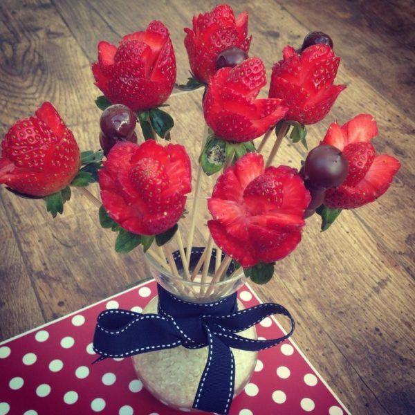 manualidades-san-valentin-regalos-ramo-rosas-fresas