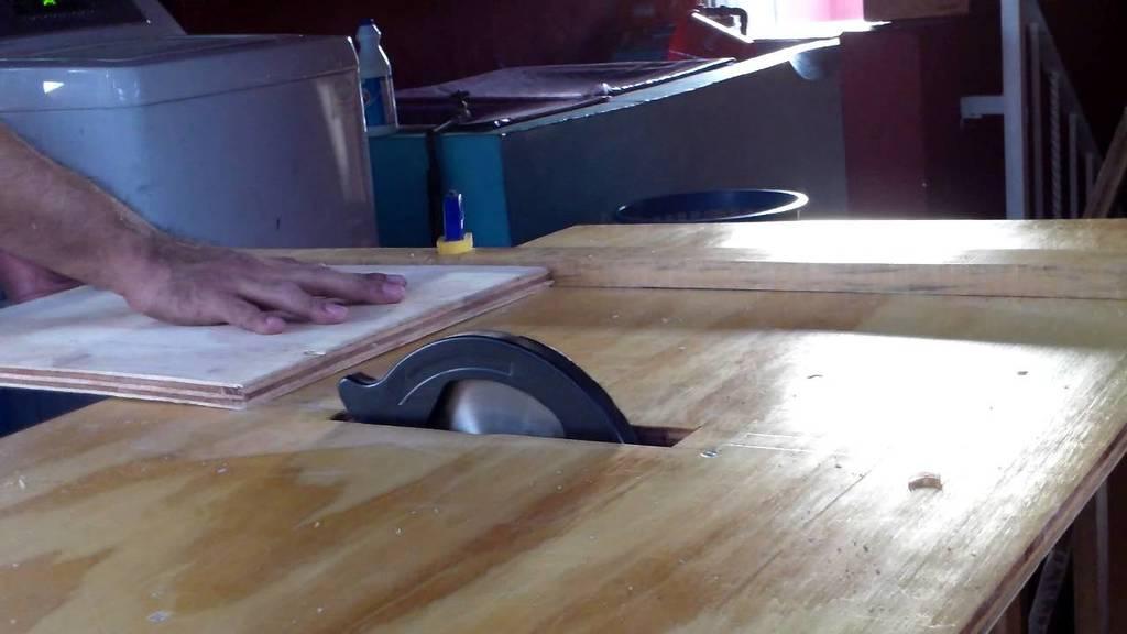 las-mejores-sierras-para-bricolaje-mesa