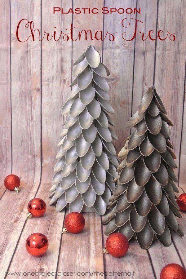 adornos-de-navidad-reciclados-con-cucharas-de-plastico