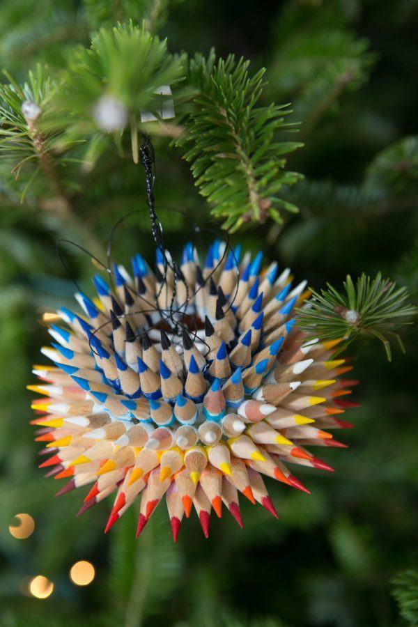 adornos-de-navidad-reciclados-con-lapices