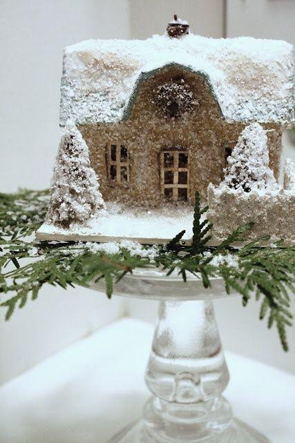 Casa nevada para decorar mesa