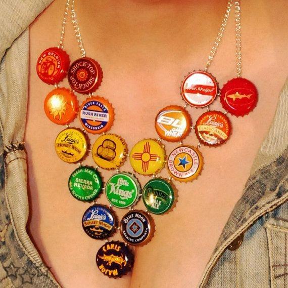 como,hacer,collares,con,materiales,reciclados,chapas,botellas