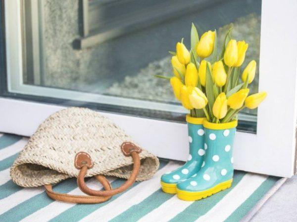 formas-de-decorar-con-plantas-botas