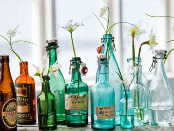 formas-de-decorar-con-plantas-botellas-de-cristal