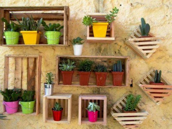 formas-de-decorar-con-plantas-cajas
