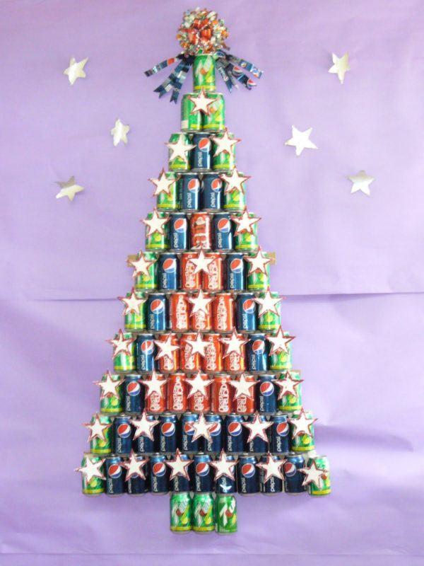 como-hacer-arbol-navidad-reciclado-latas-bebidas