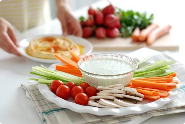 centro-de-mesa-para-un-baby-shower-aperitivos-salados