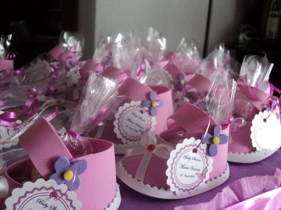 Centros de mesa para un baby shower bricolaje10 for Mesa baby shower nino