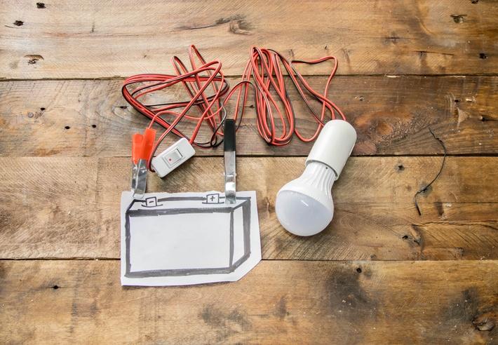 Circuito Electrico Simple De Una Casa : Cómo hacer un circuito eléctrico bricolaje10.com