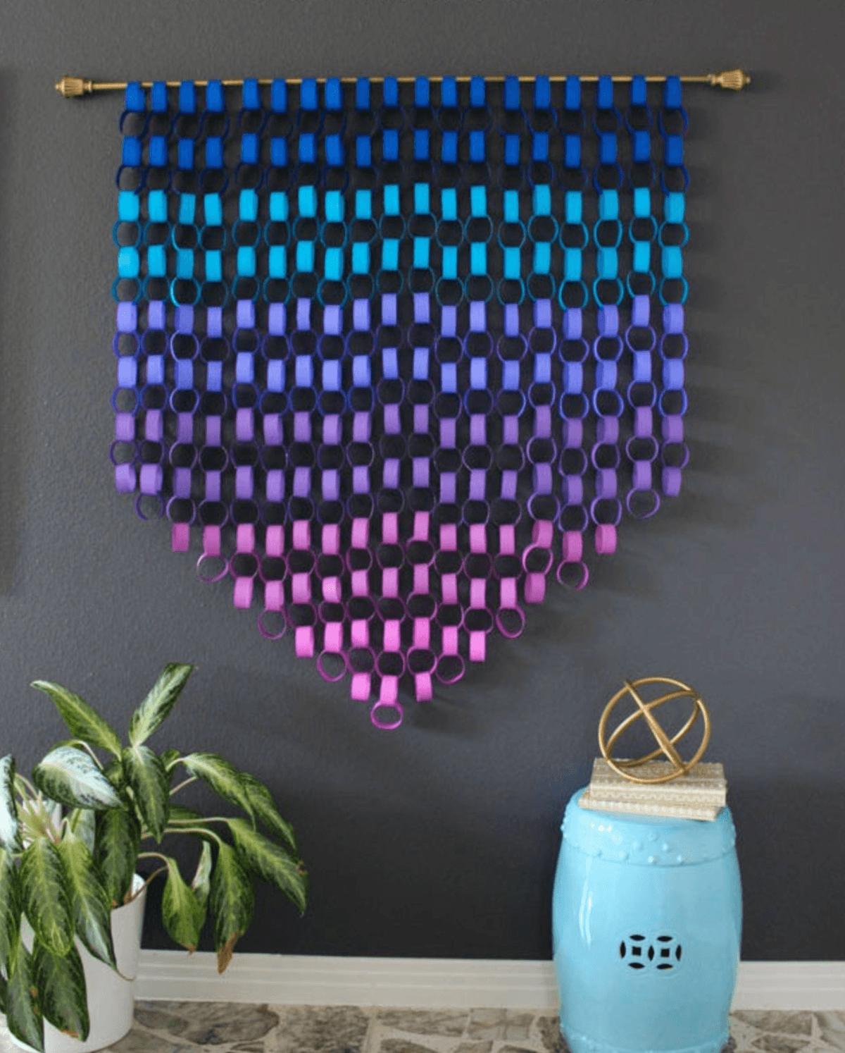 Cómo decorar fiestas infantiles con materiales reciclados pared elegante