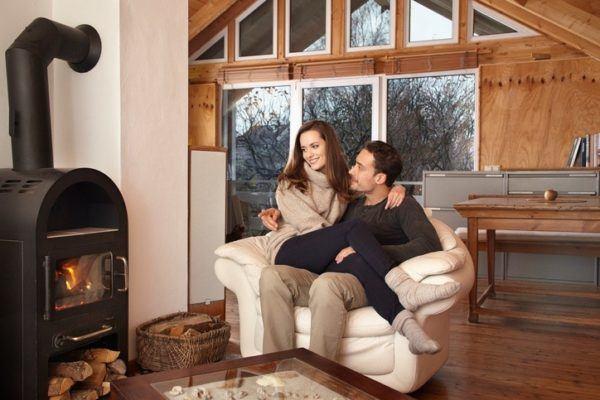 aunque puedan parecer pequeas la verdad es que este tipo de chimeneas son muy potentes y reparten calor a toda la casa fcilmente