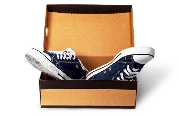 como-hacer-un-zapatero-de-carton-caja-zapatillas-deportivas