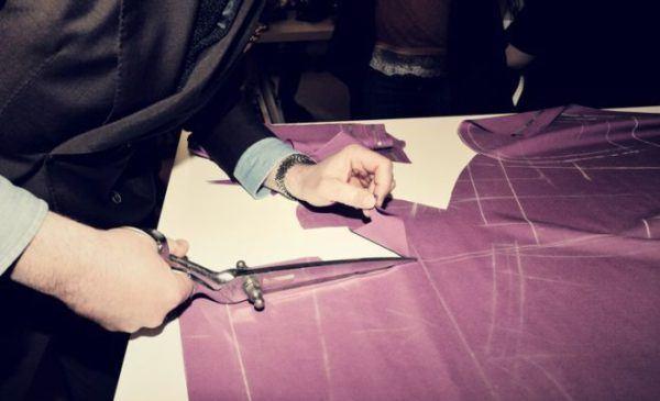 como-hacer-un-zapatero-de-tela-cortando-tela