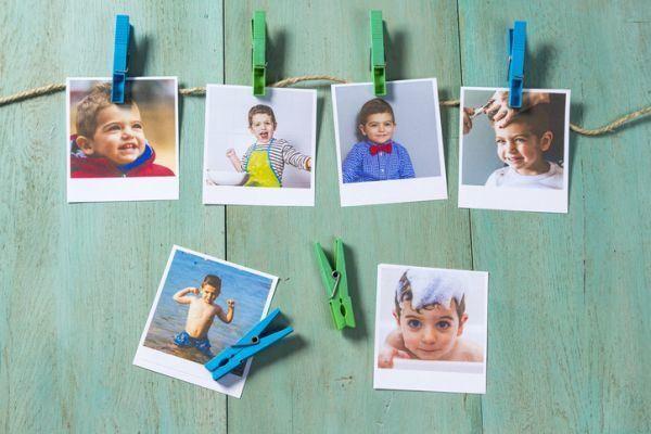 decorar-una-pared-con-fotos-colgadas2-istock