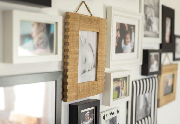 decorar-una-pared-con-fotos-marcos2-istock