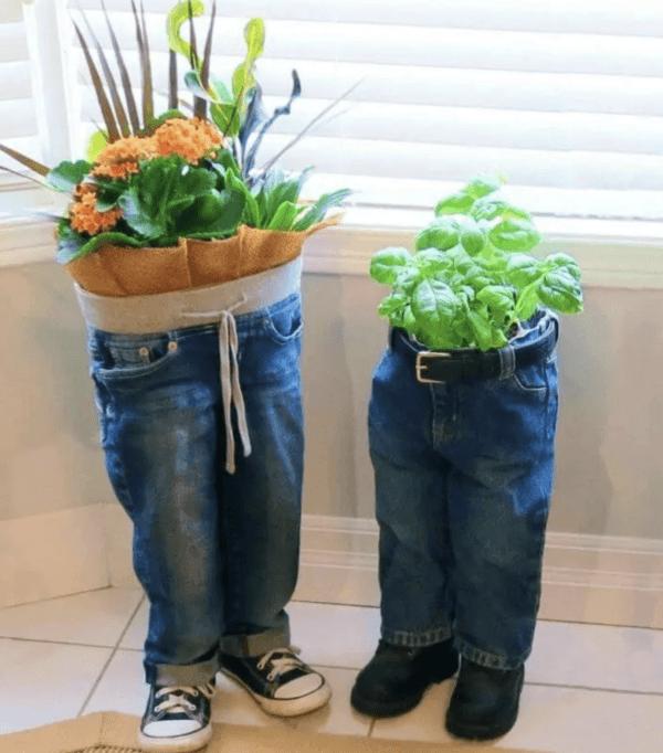 Ideas para reciclar - Reciclar ropa, botellas y envases vaqueros nenes