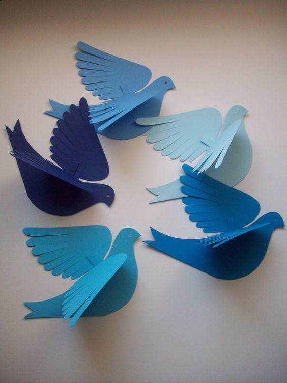 Cómo hacer palomas de papel en Navidad azules
