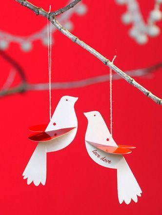 Cómo hacer palomas de papel en Navidad pareja