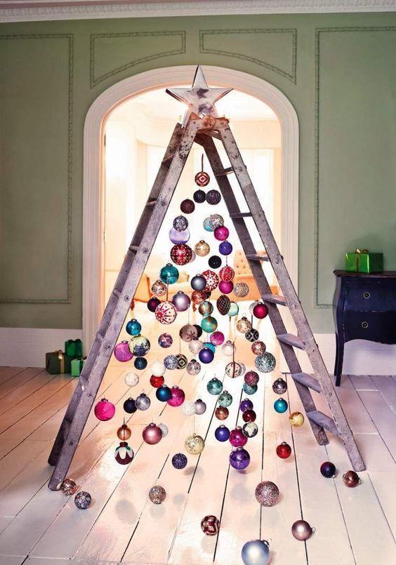 Cómo hacer un árbol de navidad con material reciclado escalera
