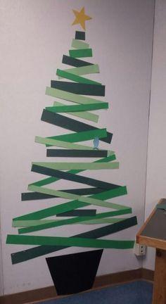Cómo hacer un árbol de navidad con material reciclado cartulinas