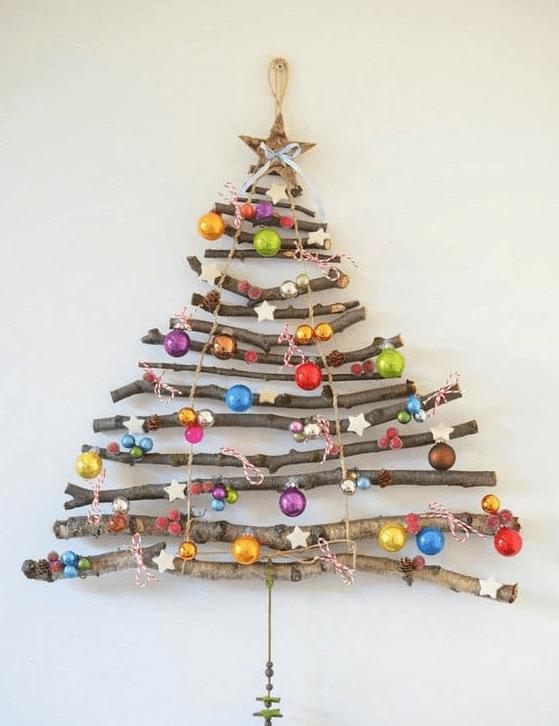 Cómo hacer un árbol de navidad con material reciclado troncos led