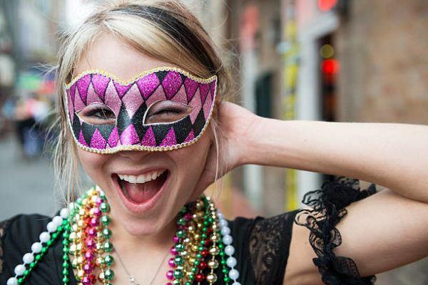 Como hacer una mascara de carnaval casera