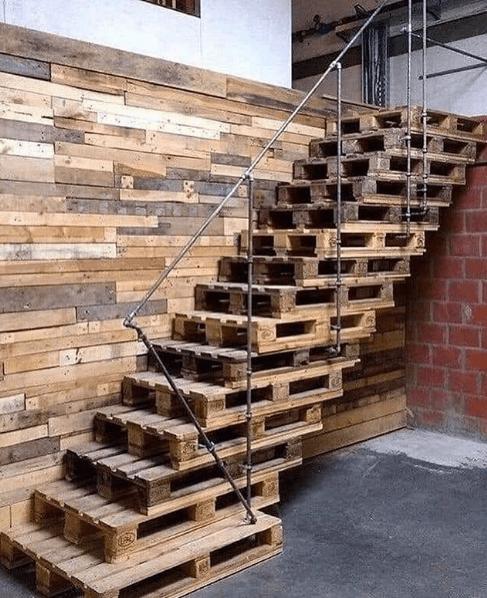 Palets baratos o gratuitos escalera DIY