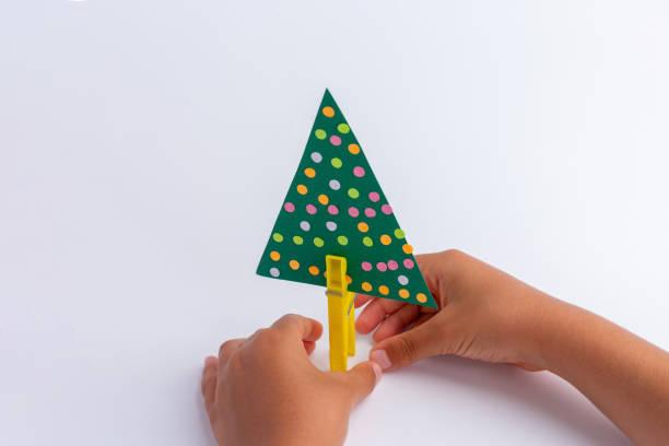 Arboles de navidad 2020 2021 diy manualidades originales pinza cartulina niños