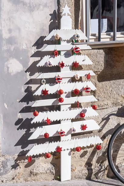 Arboles de navidad 2020 2021 diy manualidades originales tablones madera pintados