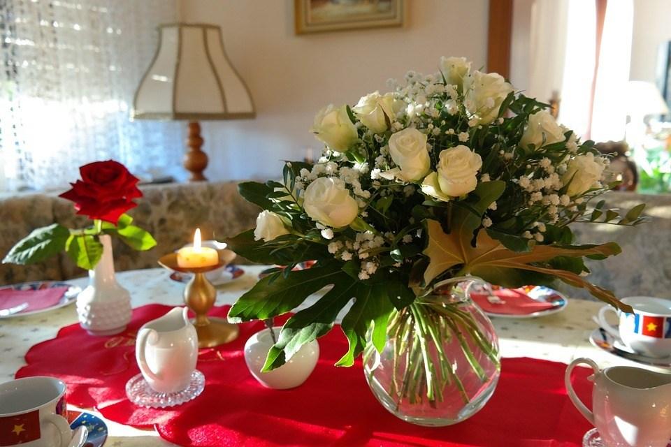 Centros de navidad low cost 2020 FLORES FOTOS rosas blancas