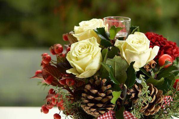 Centros de navidad low cost 2020 flores rosas