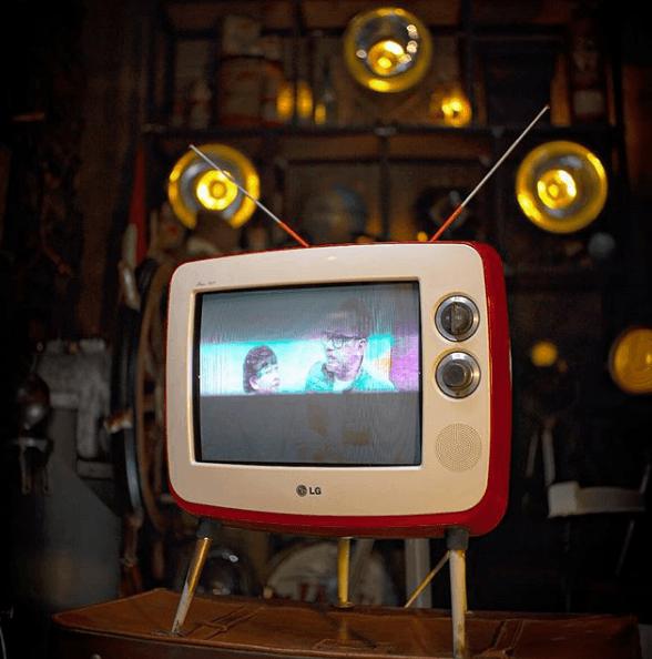 Ideas para la Decoración Industrial Vintage 2020 televisión cuernos y tubo