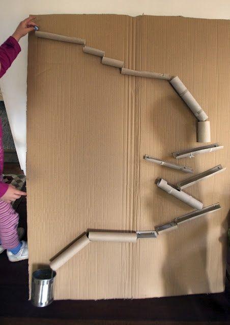 20 ideas para hacer manualidades con rollos de papel cocina laberinto