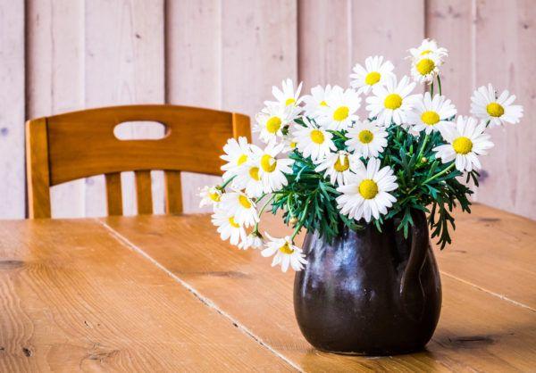 Mejores consejos decorar piso pequeno mesa