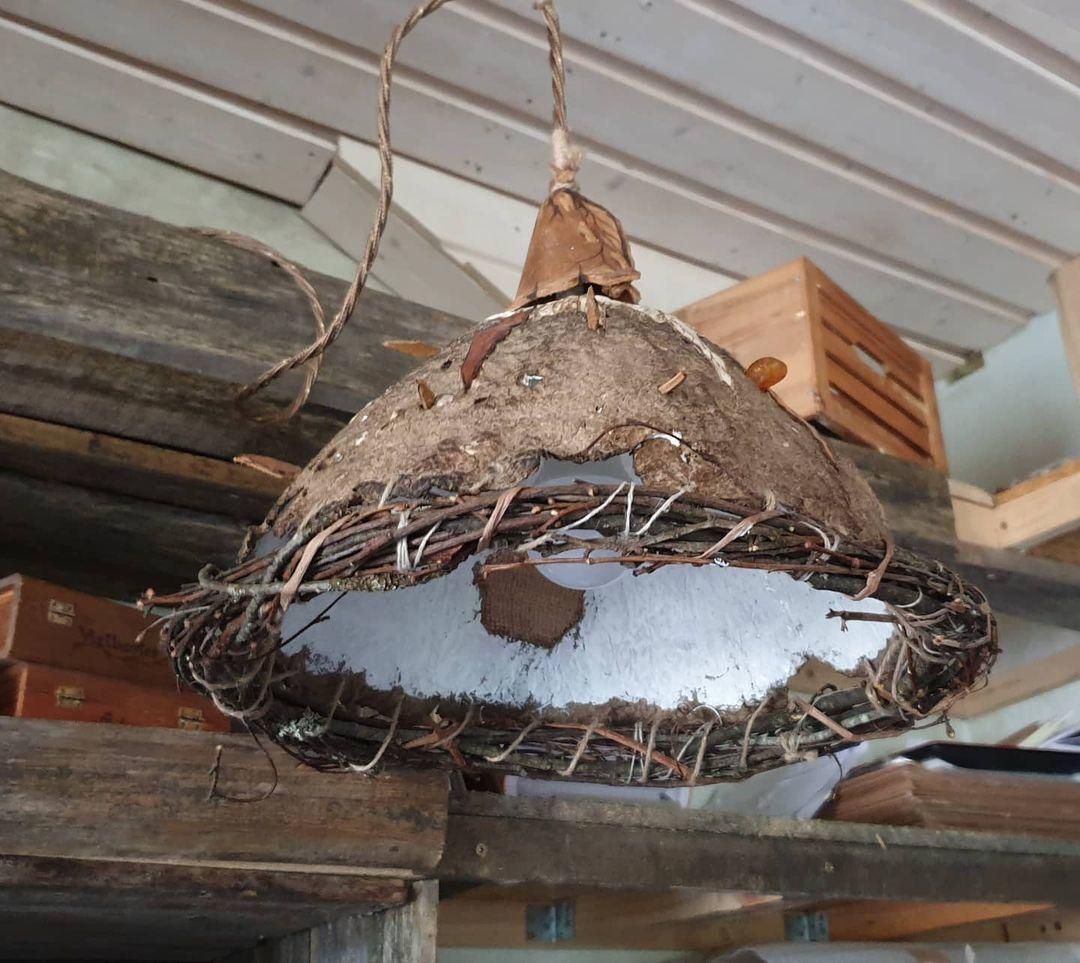 Mejores ideas para hacer lamparas caseras con materiales reciclados lampara con coco